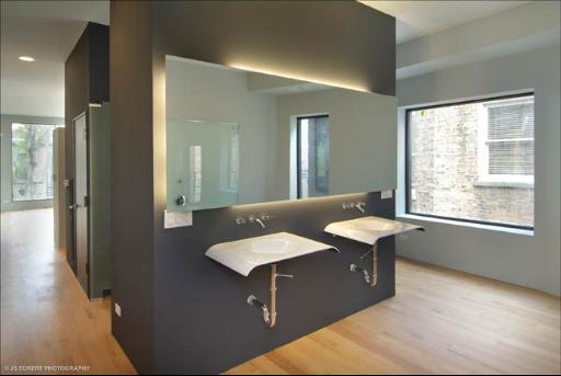 44-e-cedar-bathroom.jpg