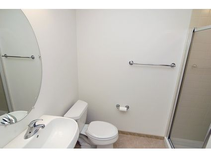 Small 2 bedrooms struggling to sell in the fordham 25 e for Small baths 1100