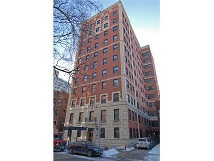Vintage Units Still Available At 433 W Briar Place In