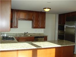 columbian-_4201-kitchen.jpg