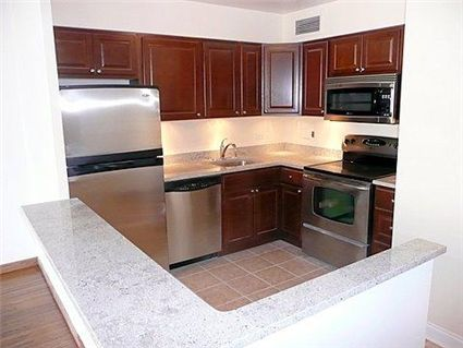 30-e-elm-_10a-kitchen.jpg