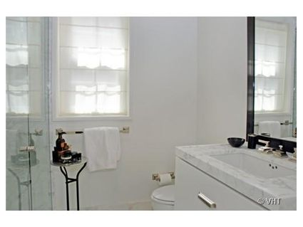 1255-n-state-_2j-bathroom.jpg