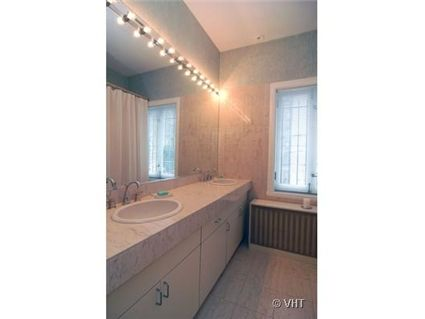 1434-n-astor-_3-bathroom.jpg