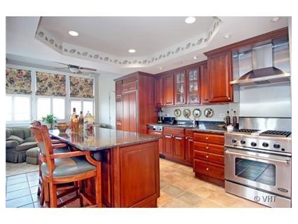 444-w-belmont-_7b-kitchen.jpg