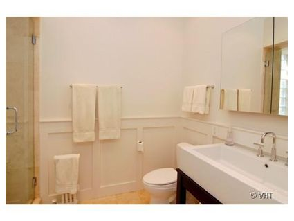 703-w-buena-_3c-bathroom.jpg