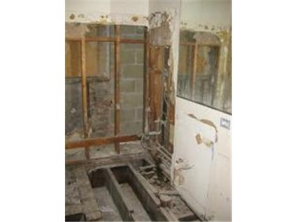 63-e-cedar-_1ab-bathroom.jpg