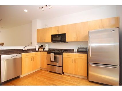 1129-w-newport-_d-kitchen.jpg