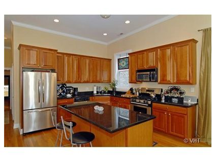 1508-w-wilson-_3-kitchen.jpg
