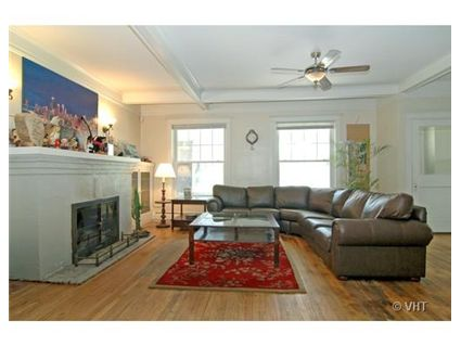 7237-s-shore-drive-livingroom-approved.jpg