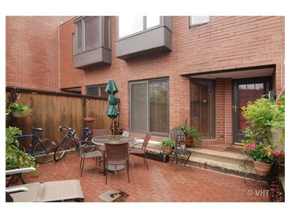 You Can Live In A Townhouse In Printers Row S Plymouth - Townhouse patio