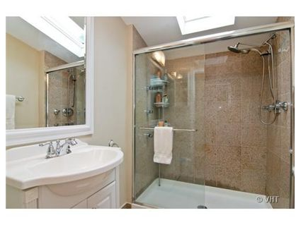 2235-w-homer-bathroom-_2-approved.jpg