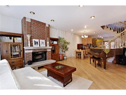 1040-n-wolcott-living-room-approved.jpg