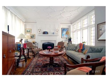 3314-n-lake-shore-drive-_7c-living-room-approved.jpg