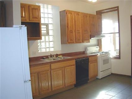 4032-n-ashland-kitchen-_2-approved.jpg
