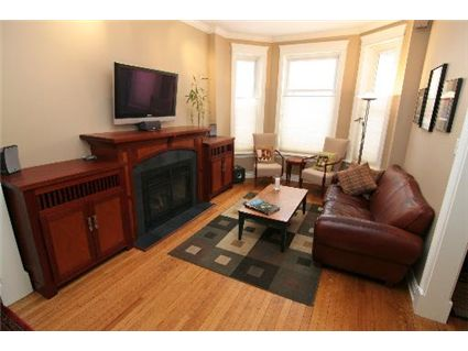 4032-n-ashland-living-room-approved.jpg